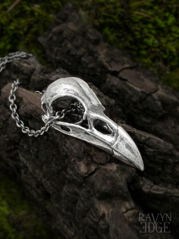 Medium raven skull necklace in sterling silver
