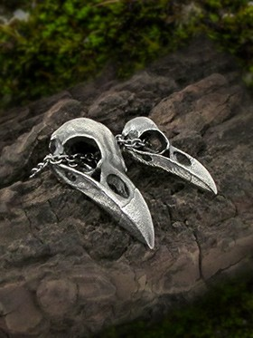 Matching crow skull necklace for couples